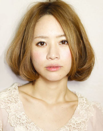 【髪型】短めのストレートヘア達はいかかですか??\(^o^)/