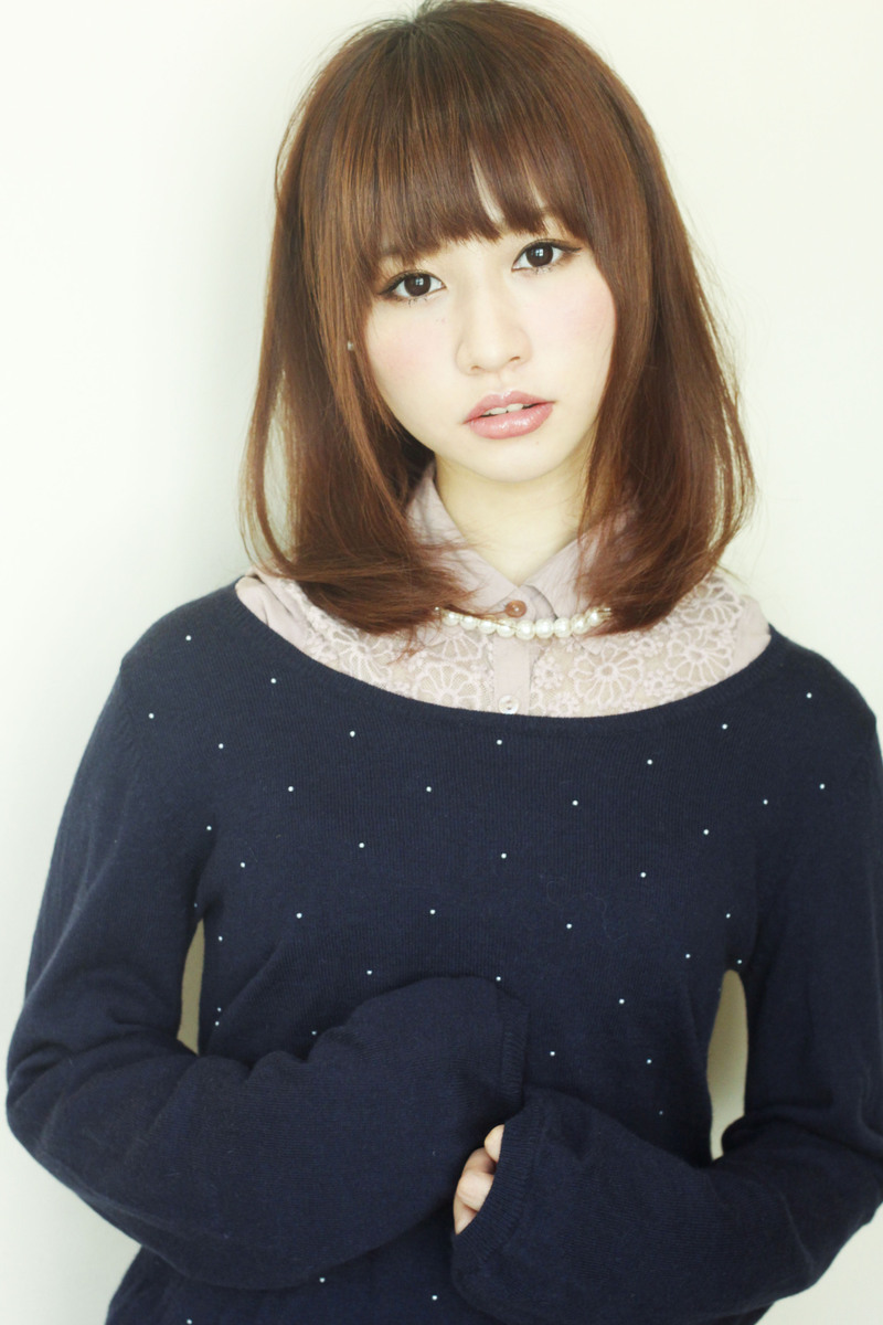 【髪型】重めシルエットの毛先ワンカールミディアムスタイル\(^o^)/